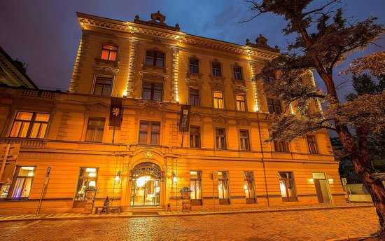 Le Palais Art Hotel Prague: Belle Epoque architecture