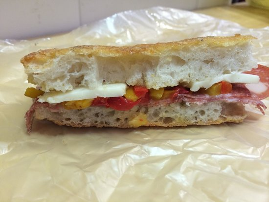 PassaGuai: Cheese, salami and peppers