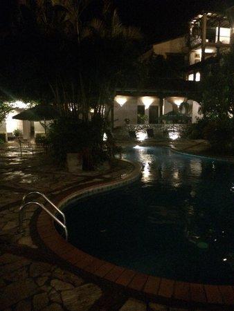 Hotel Marina Copan: Hotel pool at night. Beautiful!