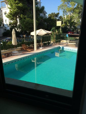 Glyfada Hotel: Nice pool area