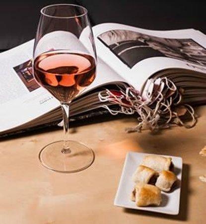 Sansepolcro, Italia: Ottimi Vini & StePH's Wine Bar