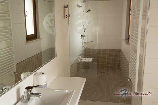 Bagno con doccia muratura doccia in muratura moderna - Cabina doccia muratura ...