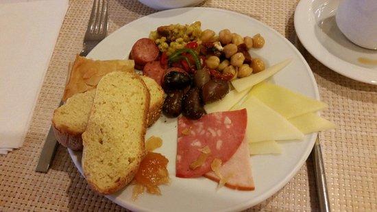 Stratos Vassilikos: Breakfast