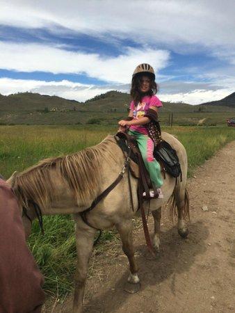 C Lazy U Ranch : Walking with Banjo