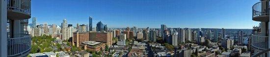 Sandman Suites Vancouver - Davie Street: Aussicht vom Balkon im 22. Obergeschoss (Tag)