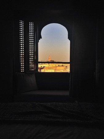 Riad Tawargit: Vue Koutoubia du lit