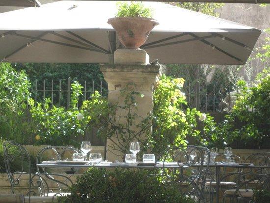 La Bastide de Boulbon: The terrace.