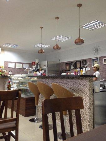 Aroma Bistro E Cafe