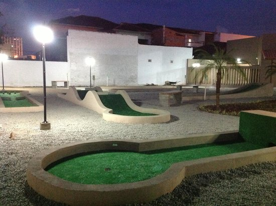 ‪Mini Golf Itanhaém‬
