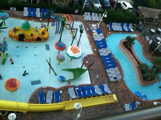 Sea Crest Oceanfront Resort : Outdoor kids pool and lazy river