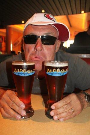 Wipeout Bar & Grill : dani votre serviteur