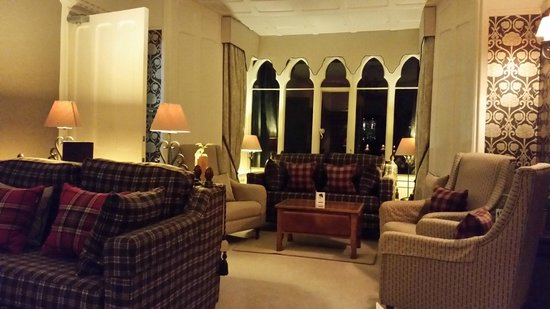 Cedar Manor Hotel and Restaurant : Lounge