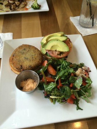 Farm Neck Golf Club: Quinoa black bean burger-delicious!