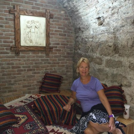 Divalis Hotel: Our cave room