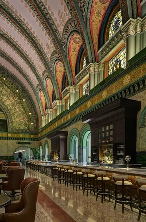 St. Louis Union Station - a DoubleTree by Hilton Hotel: Grand Hall Lobby Bar