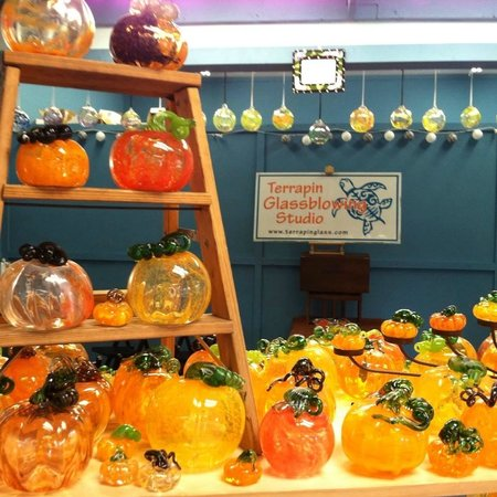 Terrapin Glassblowing Studio: Pumpkins galore