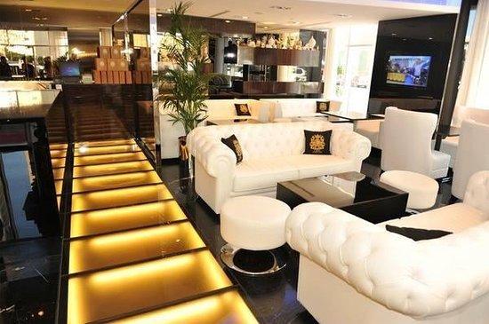 C HOUSE Lounge Cafe Chisinau
