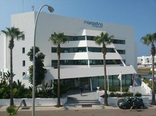 3fb873ce201 Margadina Lounge Hotel  Вид на главный корпус с балкона дополнительного  коруса