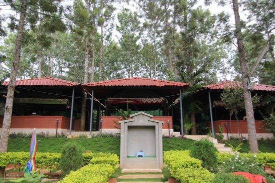 N.P.S Lake View Resort: the entrance