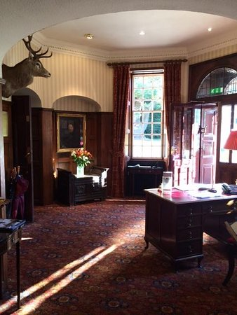 Bunchrew House Hotel: Bunchrew Lobby