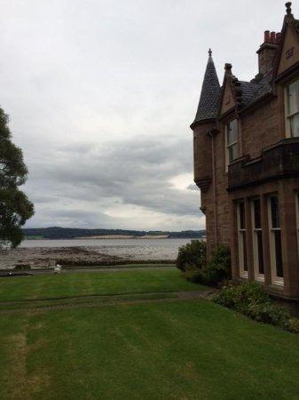 Bunchrew House Hotel: Side of Manor
