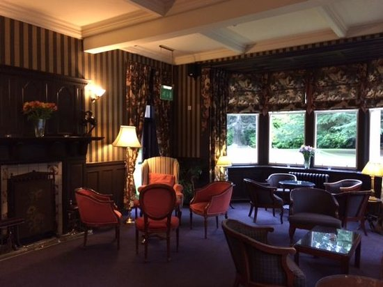 Bunchrew House Hotel: Drawing room