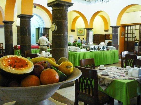 El Patio Restaurante Buffet: decoracion tipica de la region