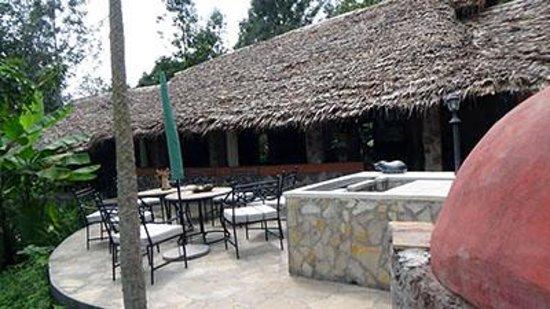 Kiboko Lodge: Front of Lodge