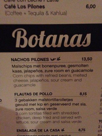 Los Pilones: Ordered the nachos pilones and flautas de pollo