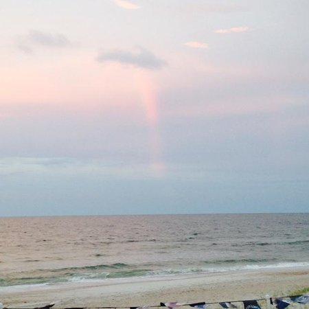 Sandy Bottoms Beach Bar & Grill: Surprise Beach Rainbow at Sandy Bottoms Beach Bar and Grill