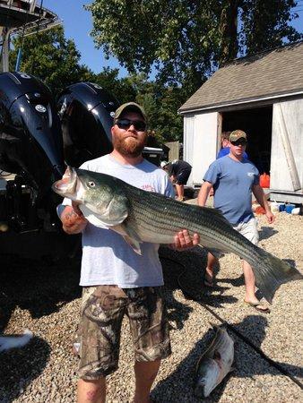 Reel Deal Fishing Charters: monsta kehd
