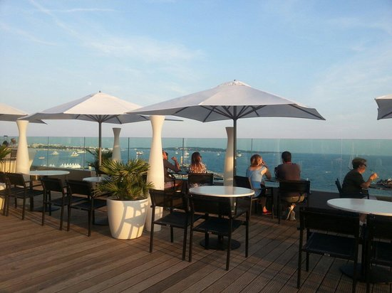 Radisson Blu 1835 Hotel & Thalasso : View from the roof