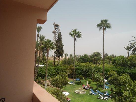 Hotel Chems: A gauche le minaret de la mosquée Koutoubia