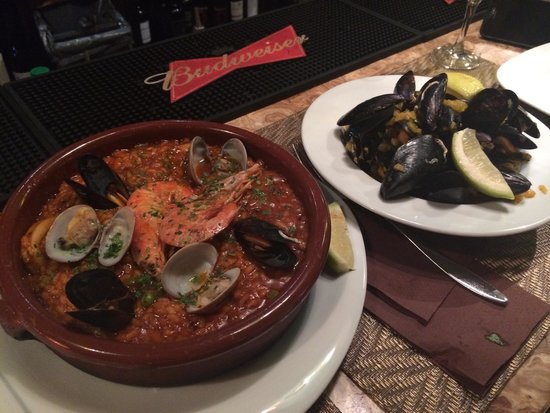 My Way : Salty mussels and even saltier paella