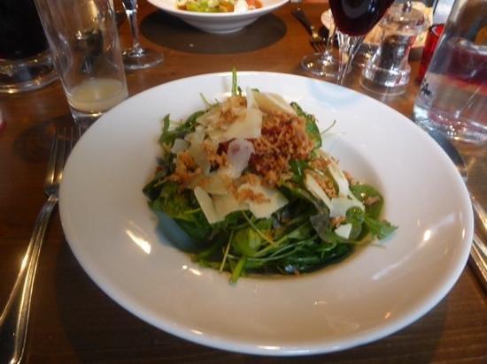 Le Galoubet : salade de roquette et épinards
