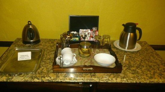 De Hoek Country Hotel : Coffee/tea making facilities