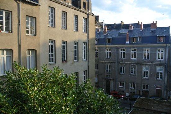 Kyriad Nantes Centre Graslin: Вид из окна