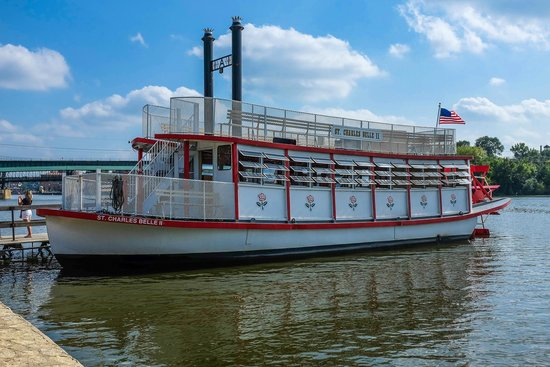 ‪St. Charles Paddlewheel Riverboats‬
