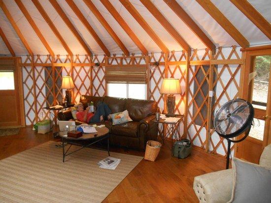 Savage River Lodge: the comfy sofa