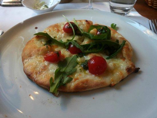 Grigio: Cherry tomatoes and buffalo mozzarella focaccia