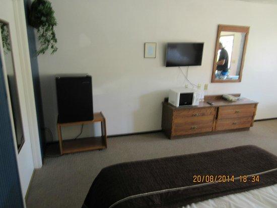 Jim Butler Motel: Room