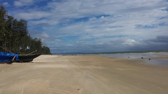 Utorda Beach: Just sand and water