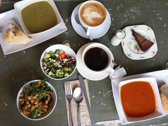 The Foodstory Cafe: Brunch! soup, salad, latte, flourless choco amazing cake