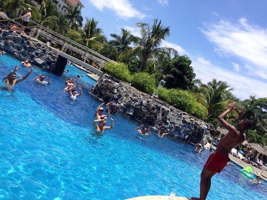 Hotel Riu Guanacaste: Water aerobics at the pool!