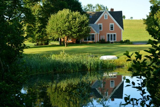 My Mother's Country Inn: View of Inn from across the old mill pond
