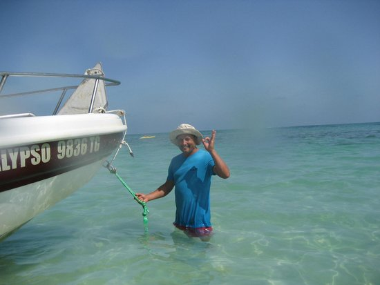 Dive Center: Blue Dolphin Djerba: MONGI   RESPONSABLE CENTRE AVEC ANNE FRANCOISE