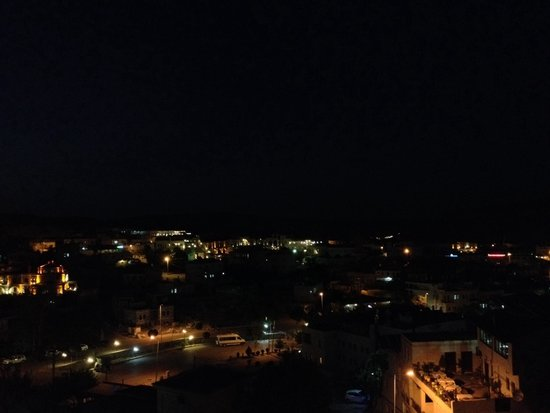 Kelebek Special Cave Hotel: Vista notturna dalla terrazza