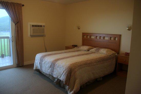 MidTrail Motel & Inn: room 19