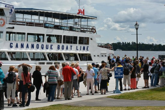 Gananoque, Canada: Fast and Friendly Boarding