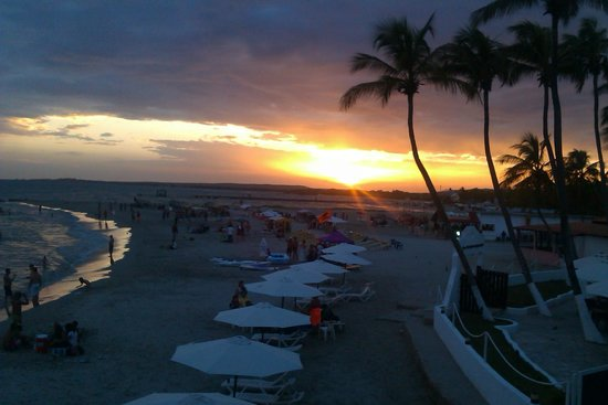 Hotel Surf Paradise : vista desde la terraza de la piscina